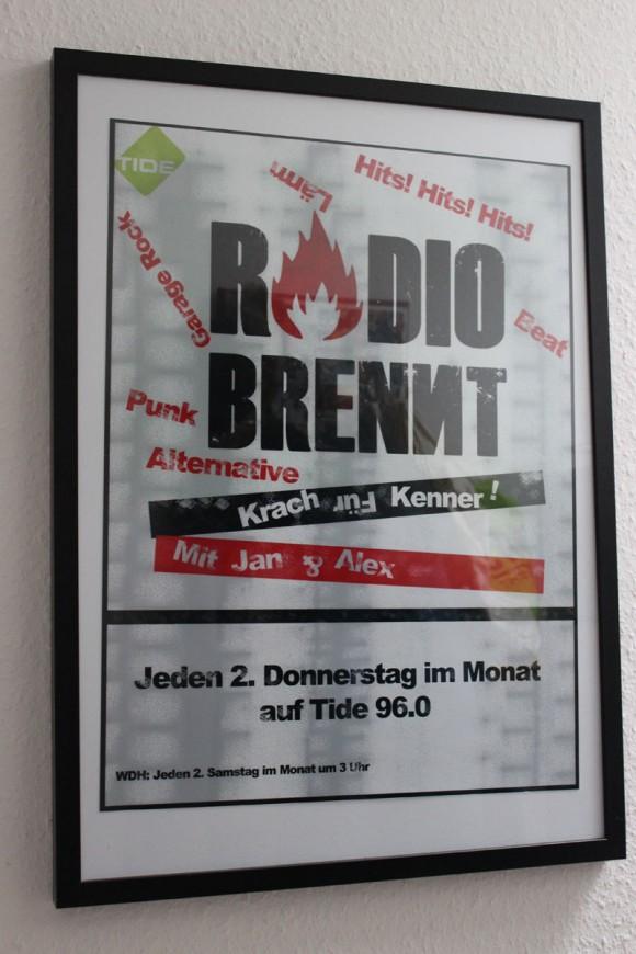 Hauptbild-Radio-Brennt-Poster-Web
